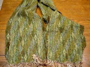 2301PS7 Schal grün