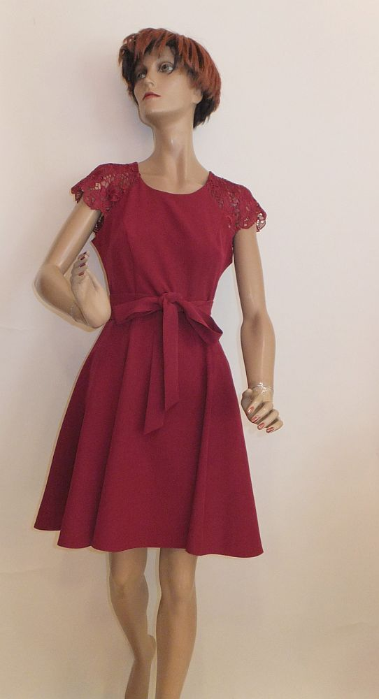 7724SK9 Kleid bordeaux Gr 36