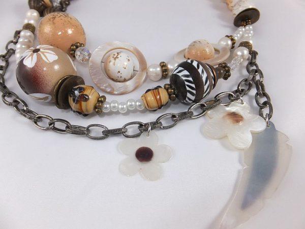 2191FH7 Halskette von Sari, braun-weiß